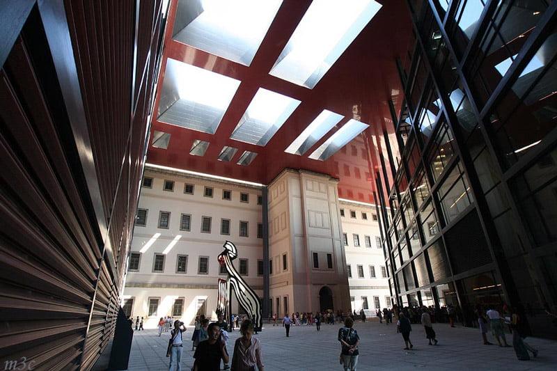 Pasillo del Museo Reina Sofía
