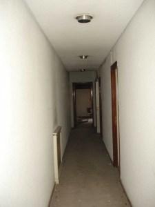 Pasillo piso Diego de León I - antes