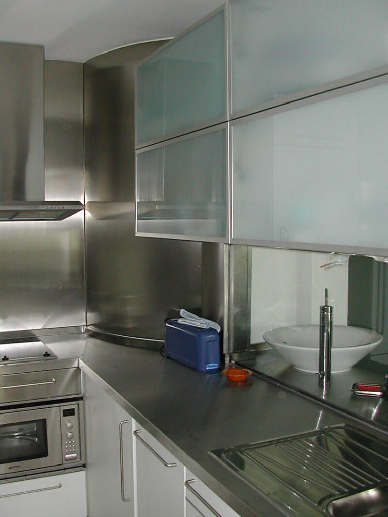 cocina-cerrada-plata