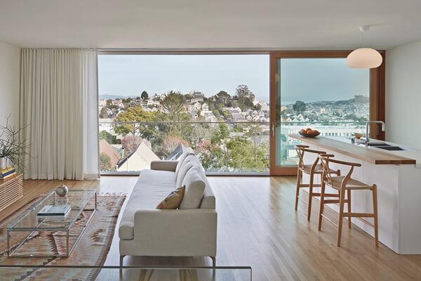 Combinando blanco y madera en una luminosa casa de San Francisco