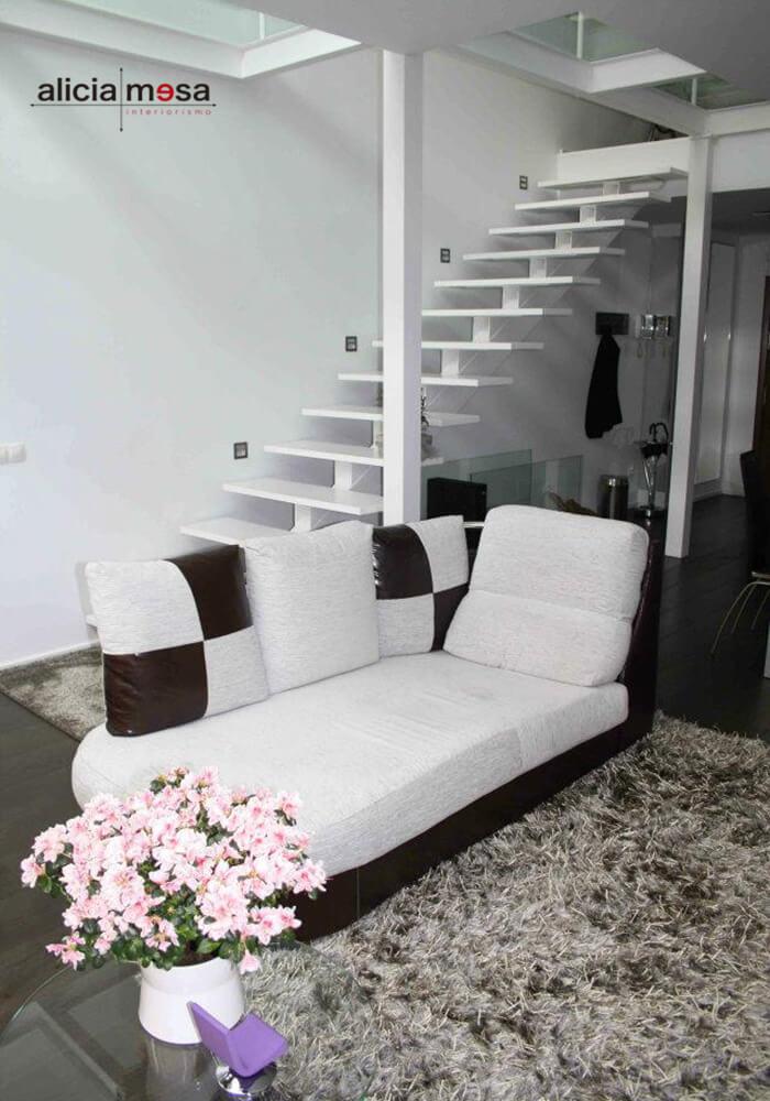escalera-interior-blanco-madrid