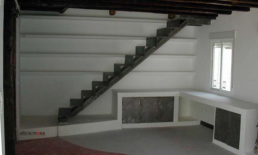 escalera-interior-chapa-madrid