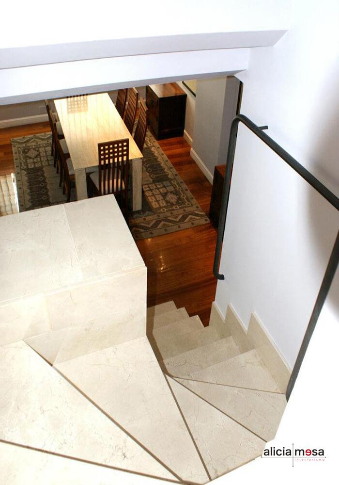 escalera-interior-marmol-madrid