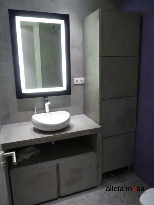 Idea reforma baño estilo moderno con microcemento