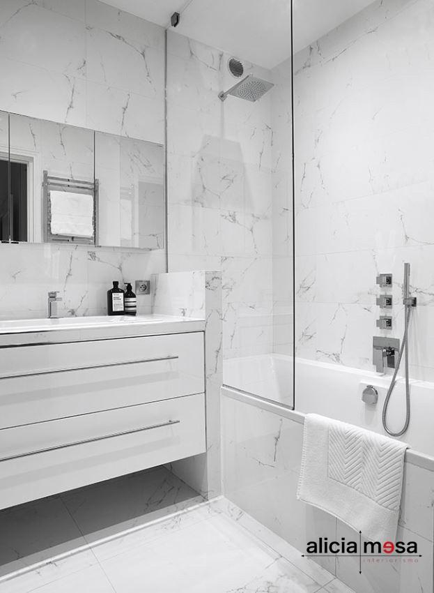 Idea reforma baño con mármol
