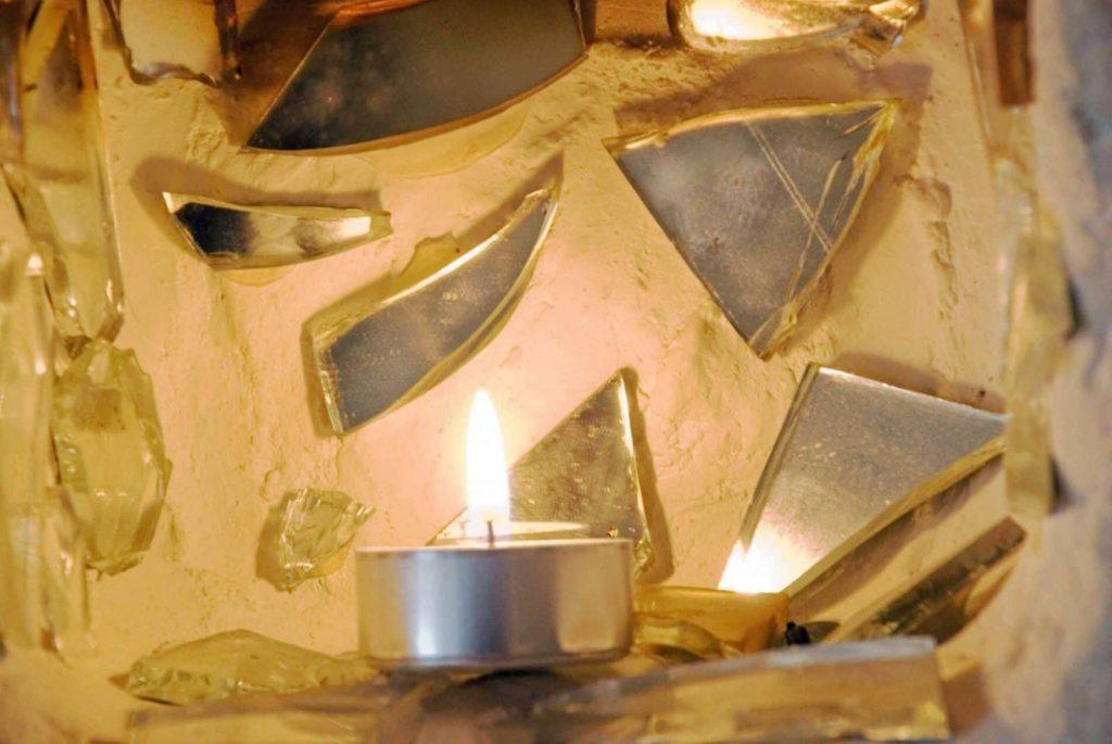 Mosaico de espejos en restaurante
